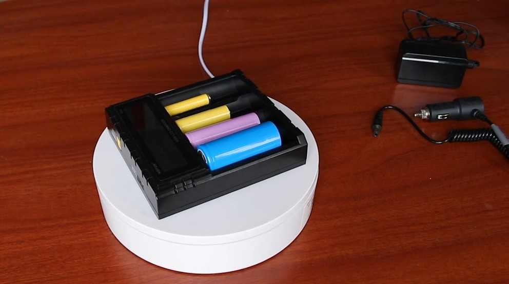 WOYUM Rechargeable Battery Charger 4 Bay LCD Display Battery Charger for 3.7V 4.2V 4.35V ICR/IMR LicoO2/LiMn Ni-MH Ni-Cd A AA C Batteries